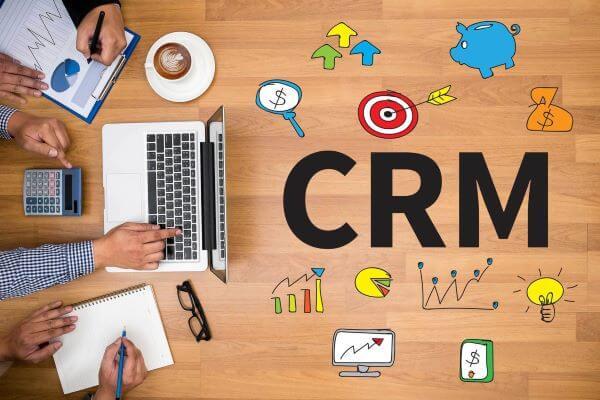 CRM (CUSTOMER RELATIONSHIP MANAGEMENT)